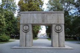 Ansamblul lui Constantin Brancusi, principala atractie turistica a Olteniei