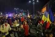 Proteste masive in Bucuresti si orasele mari! Peste 20.000 de persoane au manifestat impotriva modificarii legilor justitiei!