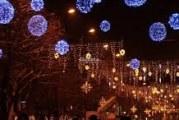 """""""Decembrie magic"""" la Râmnicu Vâlcea: lumini festive, patinoar, 28 de casute, spectacole si concerte"""