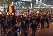 Noi proteste în București și în țară. 500 de persoane în Piața Victoriei, cateva zeci la Craiova!