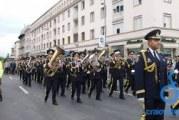Craiovenii au sărbătorit Ziua Nationala a României cu parada militara si cu Festivalul International Adrian Paunescu