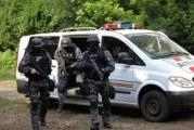 Perchezitii în județul Vâlcea la persoane banuite de frauda informatica si spalare de bani! Vezi aici cum au acționat politistii si trupele speciale!