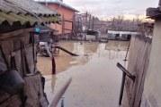 Oltul sub cod galben: gospodării inundate în nordul judeţului, trafic rutier îngreunat de ape! Pericolul nu a trecut!