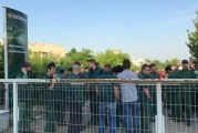 Muncitorii de la Electroputere Craiova au continuat sa protesteze, cerand salarii mai mari! Vor sa intre in greva generala daca nu se rezolva nimic!