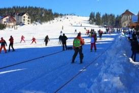 Iepuraşul vine de Pasti pe schiuri, la Rânca! Conditii excelente pentru schiat in cea mai cunoscuta statiune de munte din Oltenia! Vezi si cum s-au pregatit proprietarii de pensiuni si hoteluri!