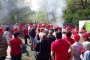 1 Mai pe stil PSD-ist, la Slatina! Partidul si-a chemat membrii si simpatizantii la iarba verde, sa se veseleasca in jurul liderilor, la un mic si o bere!