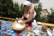 Un desert traditional, vedeta unei localitati din Mehedinti! Locuitorii de aici organizeaza, anual, un festival al cozonacului!