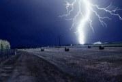 Mehedinţiul, sub cod galben de furtuni: un bărbat a murit, iar o femeie a fost rănită, după ce au fost loviţi de fulger!