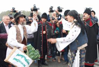 """Festivalul """"Oltenii si restu' lumii"""" a ajuns la a XXIV-a editie! Vezi programul manifestarii si ce recitaluri vor putea urmari slatinenii!"""