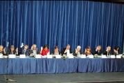 Circ total la sedinta alesilor locali desfasurata la Teatrul Elvira Godeanu din Targu Jiu! Vezi un filmulet care spune totul despre scandalul interminabil din politica gorjeana!