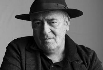 Marele regizor Bernardo Bertolucci a murit la 77 de ani! Era imobilizat intr-un scaun cu rotile de peste 10 ani!