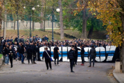 Au dat foc la stadion, s-au batut cu jandarmii, s-au injurat! Meciul dintre FC U Craiova, echipa lui Mititelu, si CS Universitatea Craiova 2 a fost plin de violente!