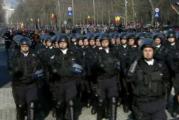 """Manifestantii care au fost batuti de jandarmi, protest dur la defilarea de 1 decembrie! Vezi ce vor sa le faca jandarmilor si raspunsul acestora: """"Va descalificati ca romani!"""""""