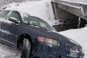 Gorjul, blocat de furtunile de zapada! Autoritatile depasite de situatie, sate izolate, accidente din cauza vremii extreme!