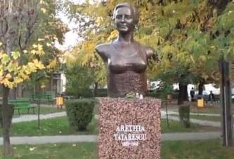 Noaptea mintii la Ministerul Culturii! Bustul Arethiei Tatarascu a fost dat jos de pe soclul din Targu Jiu pentru ca avea sanii prea mari! Bustul celei care l-a sustinut pe Brancusi a fost insa perfect pentru a fi expus la… Vladimir!
