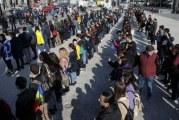 Romania vrea autostrazi! #sieu!, cea mai populara campanie de dupa Revolutie!  Dragnea critica initiativa, iar Iohannis se alatura miscarii! Mii de romani au protestat timp de 15 minute pentru lipsa autostrazilor!