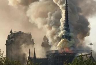 Soc si groaza in Paris! Incendiu infricosator la unul din cele mai importante obiective turistice din Capitala Frantei! Flacarile mistuie un monument vechi de 850 de ani!