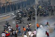 Venezuela, la un pas sa arunce lumea in aer! Liderul opozitiei, Juan Guaido, sustine ca armata a trecut de partea sa! Ministrul apararii spune ca ramane fidel presedintelui Maduro! Reactii ferme ale SUA, Rusiei si Chinei!