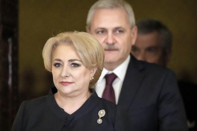 Liviu Dragnea loveste din inchisoare