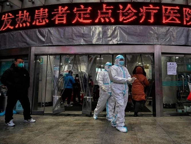 Wuhan se izolează