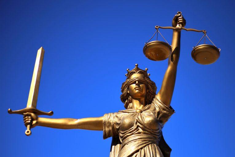Justiția și reinventarea