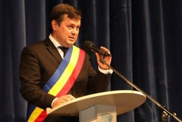 """Primarul din Târgu Jiu nu mai  vrea """"dobitoci"""" în Consiliul Local"""