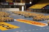 Pachete de 14 kilograme de alimente, împărțite gratis bătrânilor singuri din Râmnicu Vâlcea