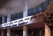Teatrul din Craiova, decorat de președinte