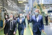 """Klaus Iohannis, la Ford Craiova: """"Sunt exemple pentru întreaga țară!"""""""